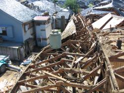 地震から貯蔵タンク救出